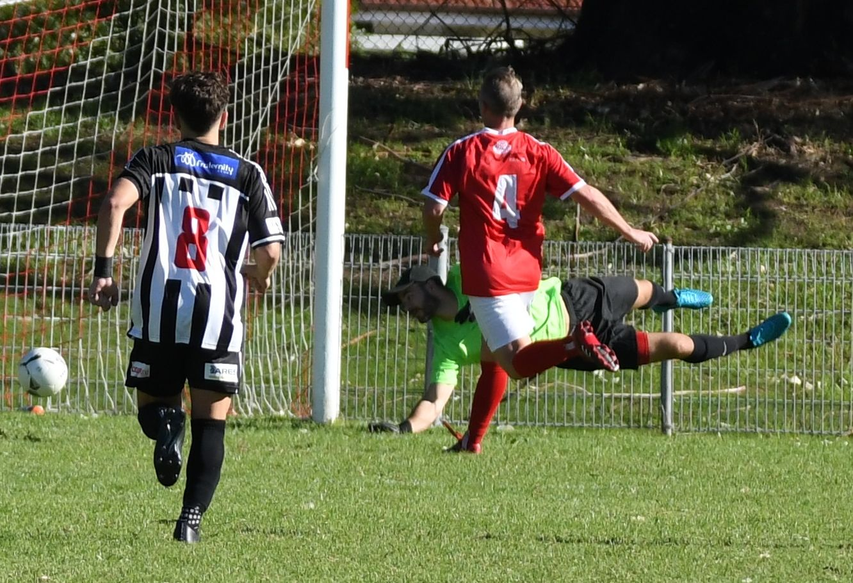2nd goal Port Brad Acev